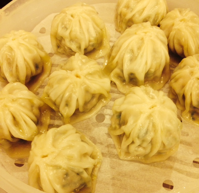 Steaming Dumplings Without A Steamer ~ Kpop hologram concert dumpling soup and rice cakes