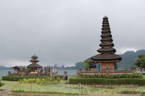 Danau Bratan Temple