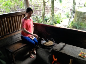 Jeanie roasting beans