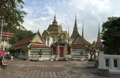 Wat Pho: love this architecture