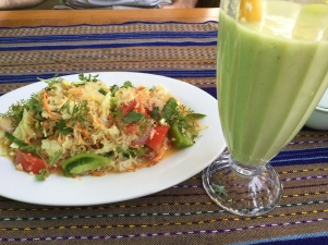 Seaweed salad and avocado juice